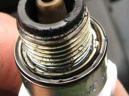 Обзор свечей зажигания для лодочных моторов
