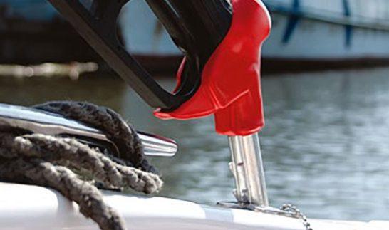 Все о бензине для лодочных моторов